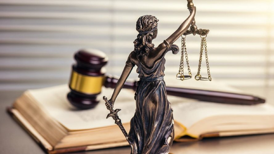 Proven Success Comes With Reading These Tips About Working With Lawyers